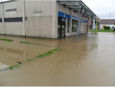 Die Beseitigung von Wasser- und Hochwasserschäden ist ein weiteres Einsatzgebiet unserer Firma.